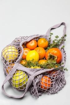 Borsa a rete riutilizzabile con frutta