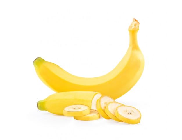 Banana matura isolata su fondo bianco