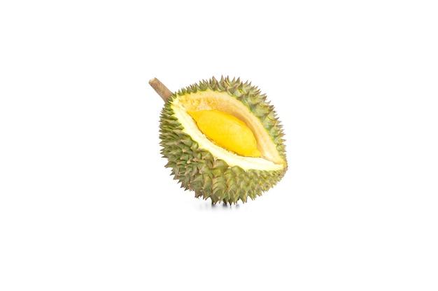 Durian maturo isolato su sfondo bianco