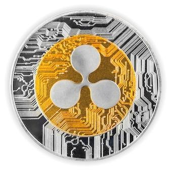 Moneta di criptovaluta ondulazione isolata su uno sfondo bianco, vista ravvicinata della moneta cripto fisica
