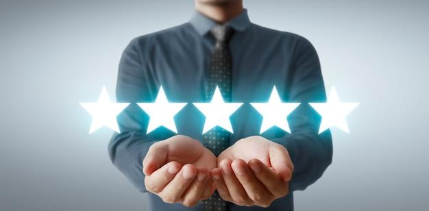 Aumenta l'aumento di cinque stelle nella mano umana, aumenta la valutazione della valutazione e il concetto di classificazione