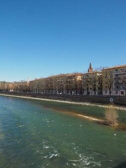 Il fiume adige a verona