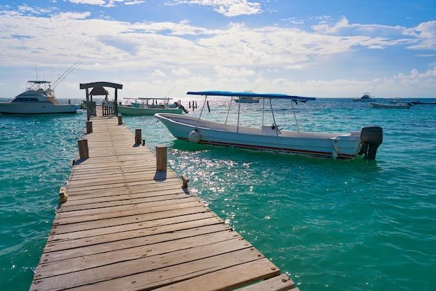 Molo di legno di riviera maya caraibi messico