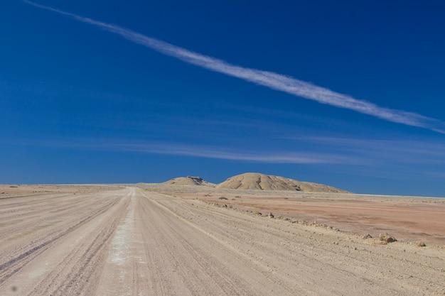 Paesaggio del deserto e della strada, sudafrica