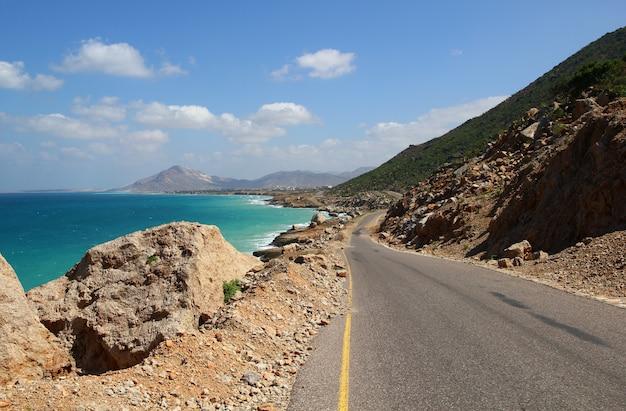 La strada nell'isola di socotra, oceano indiano, yemen