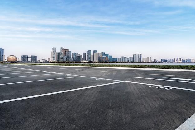 Strade e paesaggio architettonico delle moderne città cinesi