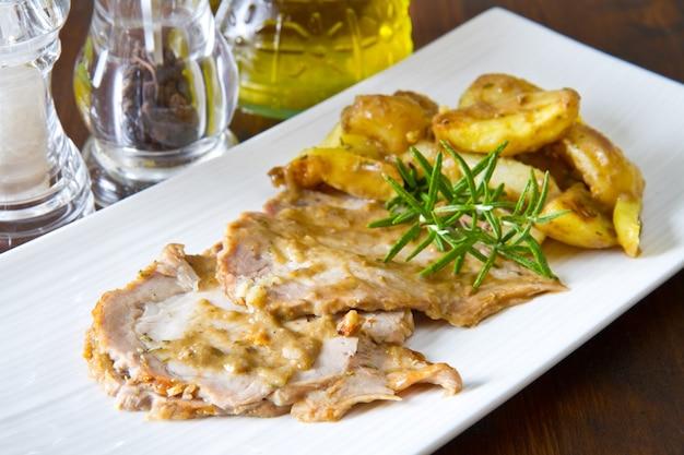 Arrosto di carne con patate