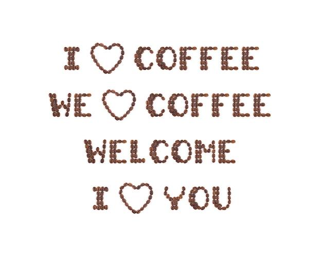 Chicchi di caffè tostati disposti in lettere