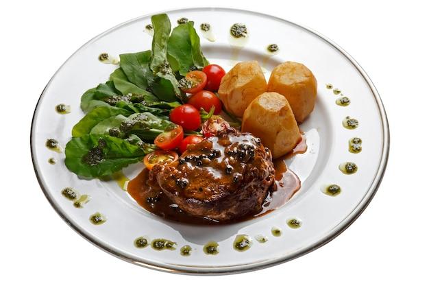 Filetto mignon arrosto con insalata