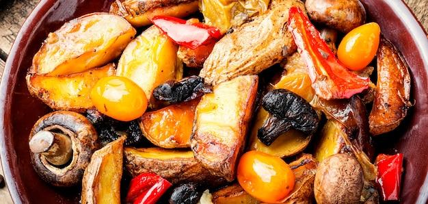 Patate al forno con funghi