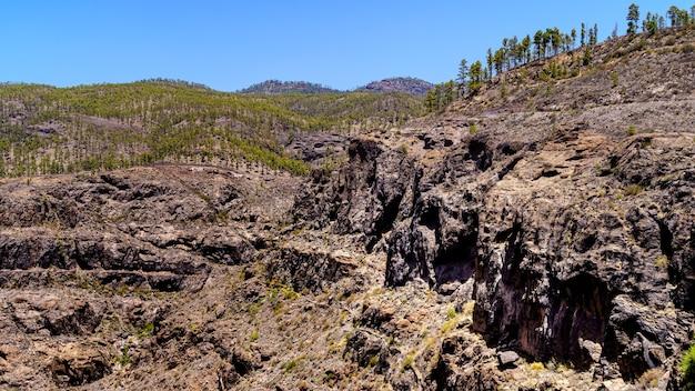 Paesaggio roccioso nelle montagne dell'isola di gran canaria. spagna, europa,