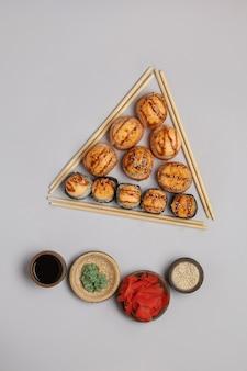 Rolls cucina tradizionale giapponese e cinese set di sushi bar