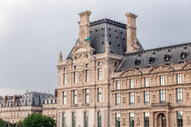 Attrazioni romantiche di parigi