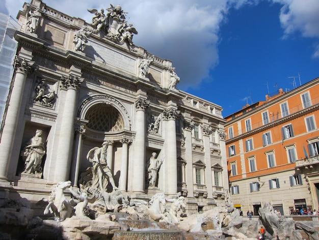 Roma fontana di trevi (fontana di trevi) a roma, italia