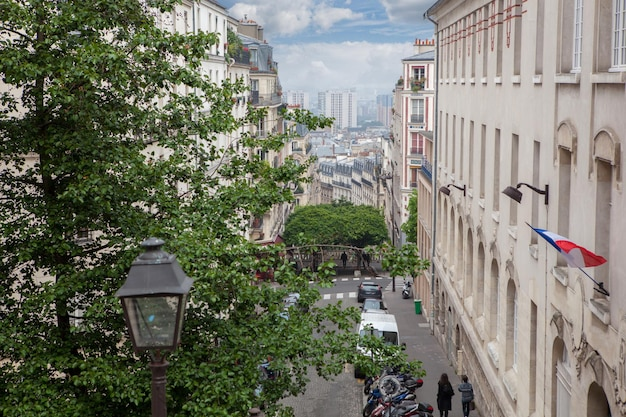 Tetti nel quartiere residenziale di montmartre a parigi