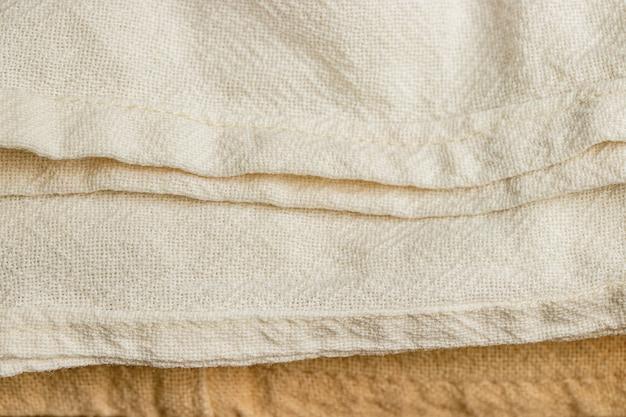 Tessuto di cotone grezzo su telaio tradizionale in thailandia, tessuto semplice in materia prima per tintura naturale