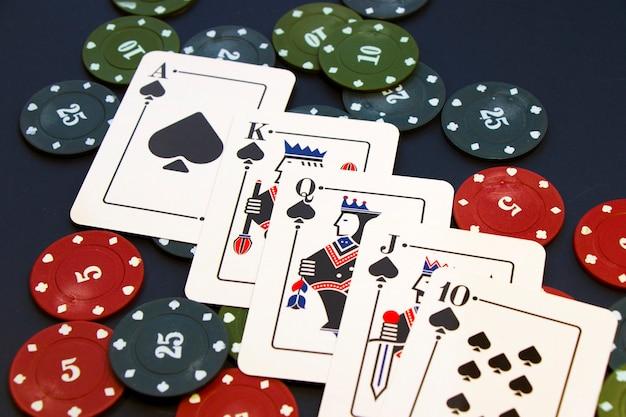 Carte scala reale. gioco di carte, carte in tavola. poker e blackjack, giocare a carte.