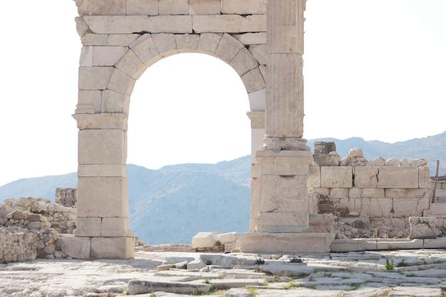 Rovine della città antica di hierapolis pamukkale denizli turchia