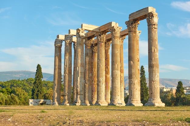 Rovine del tempio di zeus ad atene, grecia