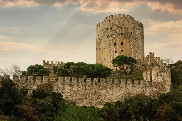 Castello rumelian nella costa dello stretto del bosforo della città di istanbul, turchia