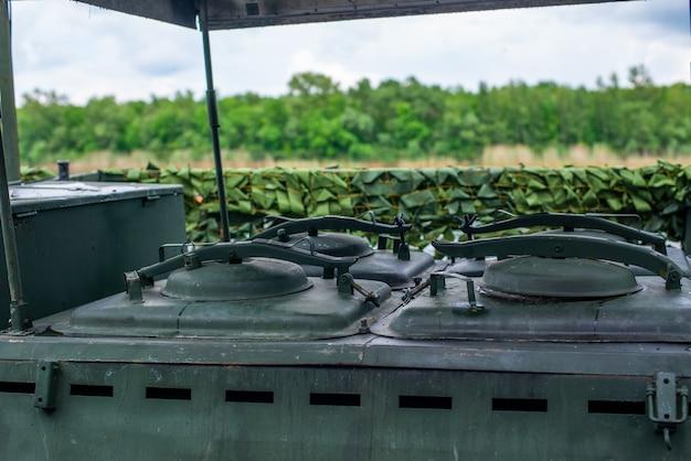 Cucina da campo sovietica russa dell'attrezzatura militare della seconda guerra mondiale della cucina mobile o di...