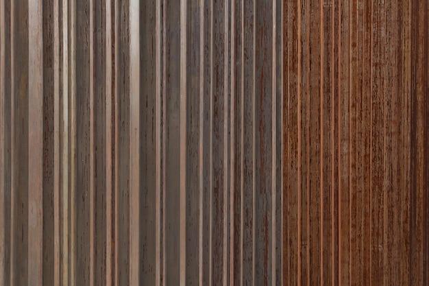 Strutture metalliche in ferro arrugginito.