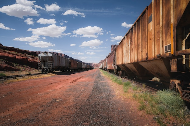 Treni arrugginiti su un cantiere ferroviario in utah, usa