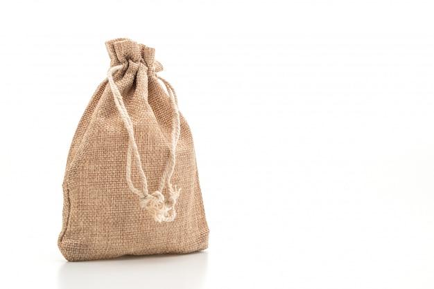 Borsa in tessuto a sacco su superficie bianca