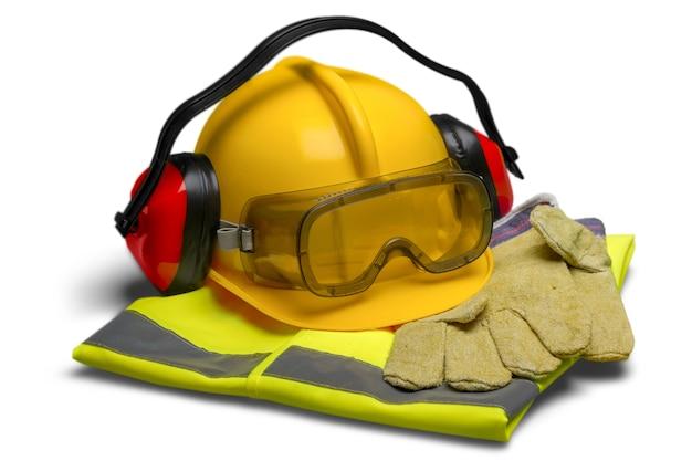 Equipaggiamento di sicurezza: casco, occhiali, protezione per le orecchie, gilet e guanti