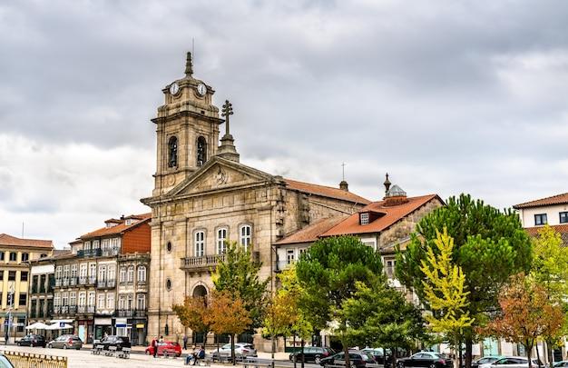 Basilica di san pietro a guimaraes, patrimonio mondiale dell'unesco in portogallo