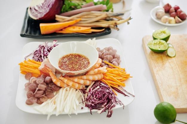 Ingredienti per insalata e condimento