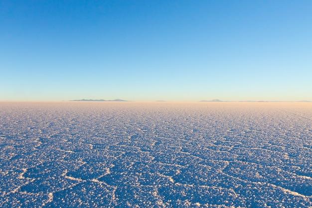 Salar de uyuni, bolivia. la più grande distesa di sale del mondo. paesaggio boliviano