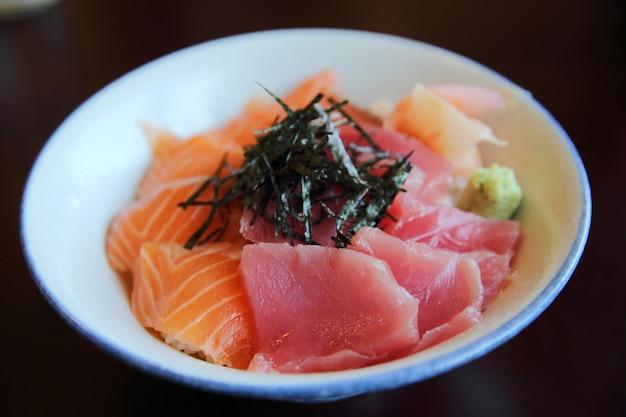 Sushi salmone e tonno don