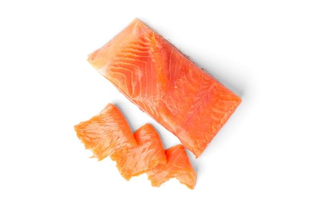 Salmone salato isolato.