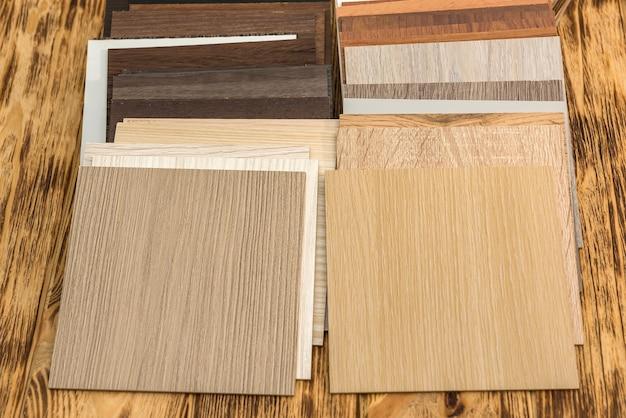 Campione di pannelli truciolari laminati in legno