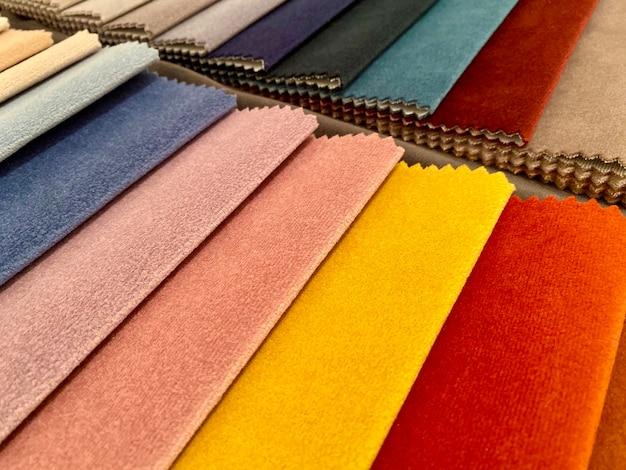 Campioni di tessuto per decorare le tende medel colorate sfumature di tessuto