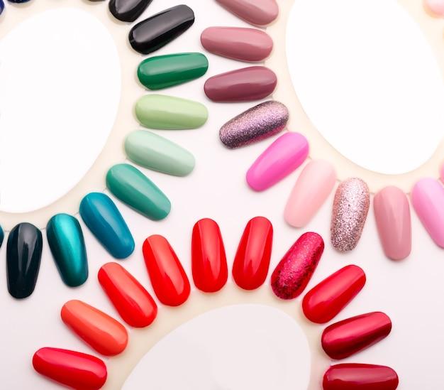 Campioni di smalti per unghie