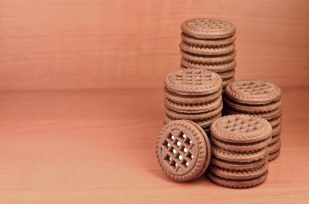 Biscotti rotondi panini con ripieno di vaniglia