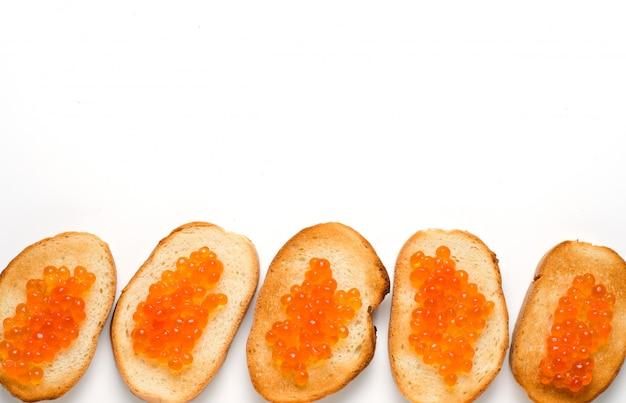 Panini con caviale rosso di salmone.