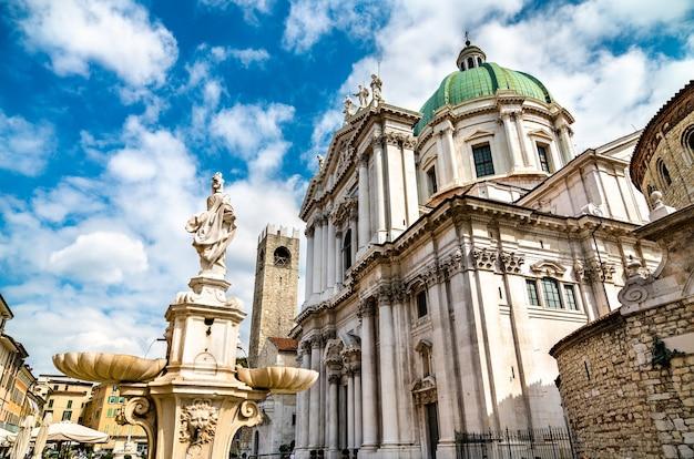 La cattedrale di santa maria assunta di brescia in italia