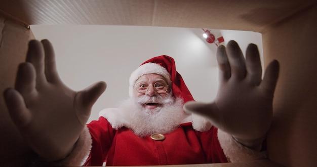 Babbo natale riceve l'ordine merry christmas holiday xmas