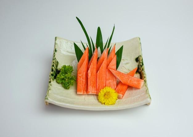 Bastoncini di granchio sashimi o kani di cibo giapponese