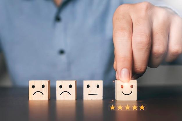 Sondaggio di soddisfazione concetto servizi clienti migliore eccellente esperienza di valutazione aziendale