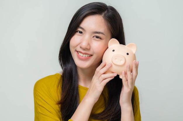 Risparmiare denaro per investimenti futuri