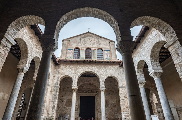 Vista panoramica della basilica eufrasiana (