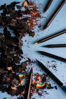Concetto di scuola con pensils