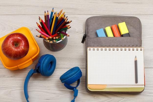 Materiale scolastico cuffie scatola sandwich gialla supporto in metallo mela per matite