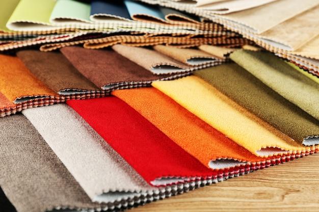 Ritagli di tessuto colorato