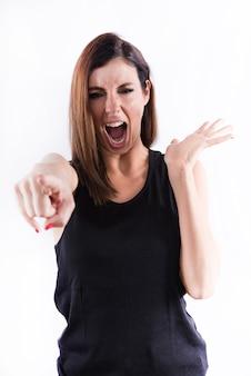 Donna di grido che indica