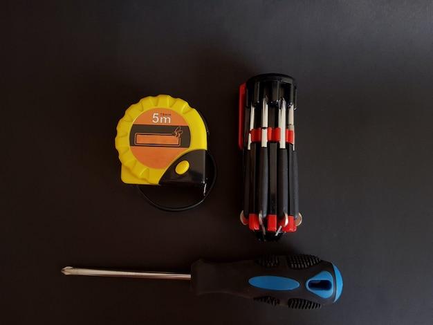 Cacciavite per avvitare e svitare elementi di fissaggio filettati